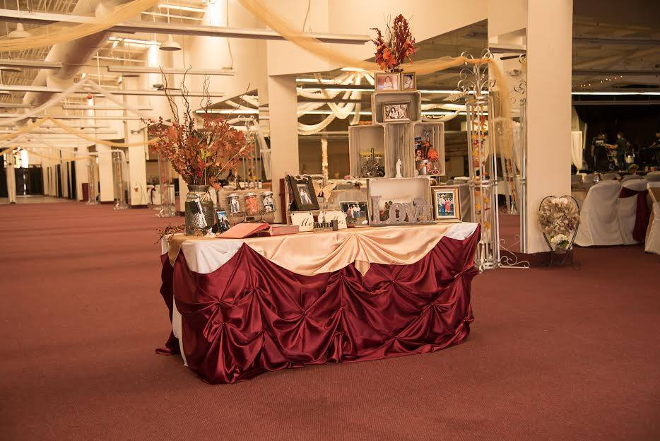 Host your wedding at the tucson expo center in arizona tucson expo our wedding reception halls are air conditioned so you dont have to worry about the state of your cake hair or most importantly your guests junglespirit Images